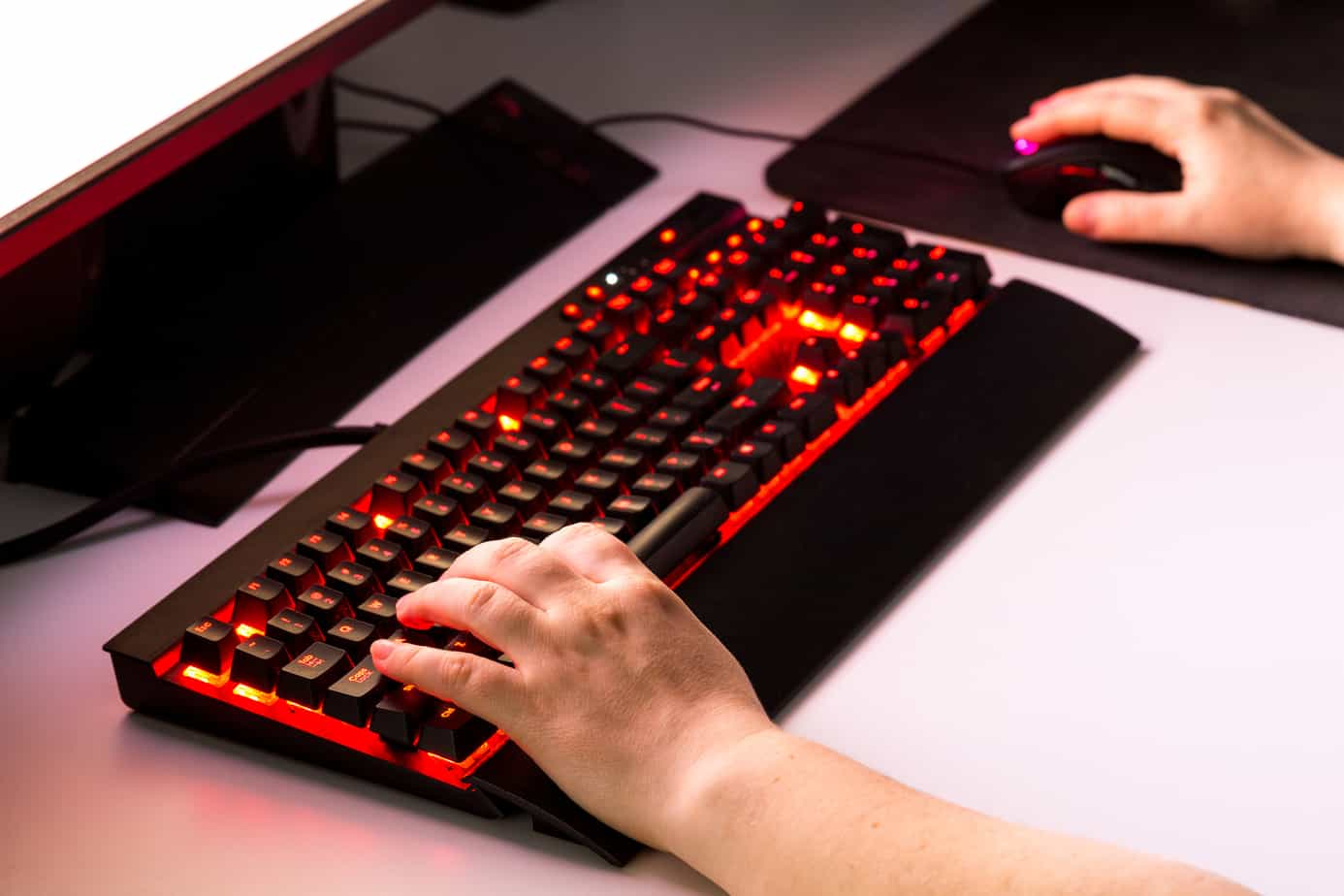 fingers placement on keyboards